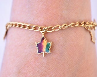 "Vintage Maple Leaf Enamel Charm Chain Bracelet Chain Link Canadian Pride 7.5"""