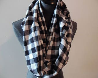PLAIDS.Black and White.Check.FALL.WINTER Scarves.Infinity Scarves.Circle Scarves.Tube Scarf.Gift for Her.Gift for Teacher.Christmas Presents