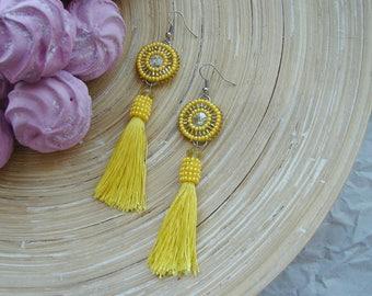 Yellow white beaded tassel earrings long tassel sead beaded earrings, crystal earrings Oscar de la Renta style white yellow drop earrings