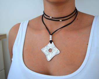 Black Leather Wrap Choker Rhombus Pendant Necklace, Leather Coin Pendant Necklace, Leather Wrap Choker, Wrap Necklace, Boho Silver Jewelry