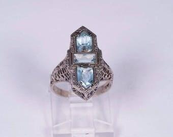 18K White Gold Filigre 3 Stone Aquamarine Ring size 4.5