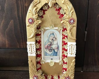 Blessed mother and infant Jesus altar/nicho