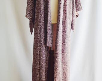 Vintage Japanese kimono long purple drawings