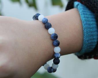 8mm Matte Blue Tie-Dyed Sodalite Round Beaded Bracelet