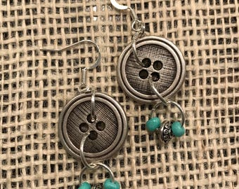 Adorable button earrings!