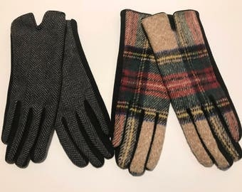 Monogrammed Touch Screen Gloves / Monogrammed Winter Gloves / Touchscreen Gloves