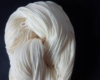 100 g 4 or 6 threaded socks wool to dye