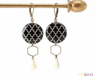 Resinees earrings round Hexagon black graphic pattern