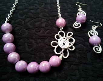 Parure with earrings made of aluminum and ceramic stones lilac