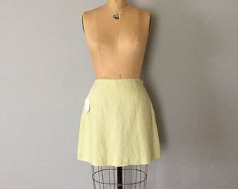 20% OFF SALE... light chartreuse green mini skirt | 90s linen and rayon mini skirt