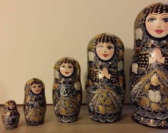 Very cute matryoshka nesting doll 5 PCs