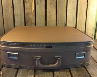Vintage Wheary Blush Suitcase