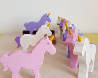"Unicorn figurine, ""tell a story"" - Mastro toys"