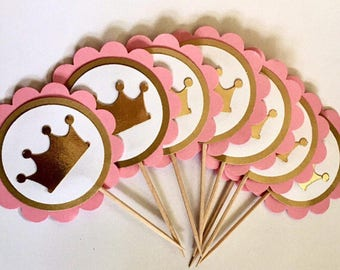 Princess baby shower | Crown baby shower decorations, Gold princess baby shower decorations, Gold princess baby shower favors