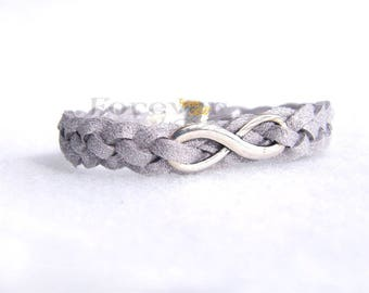 Silver bracelet with ' infinite '
