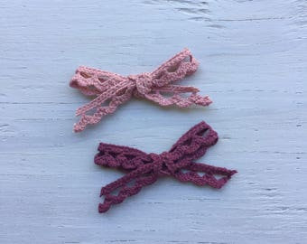 Little lace bows