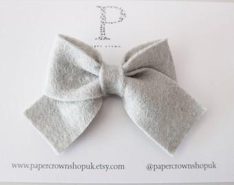 Felt Perrie bow - Grey or Rust