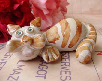 Vintage ,ceramic animal figurine,kitty,cat
