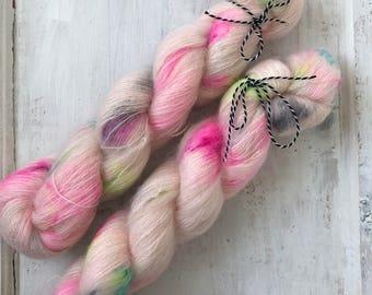 Hand dyed silk mohair yarn 50 g / 420 m / Indie dyer Lystig Yarn / Pinko