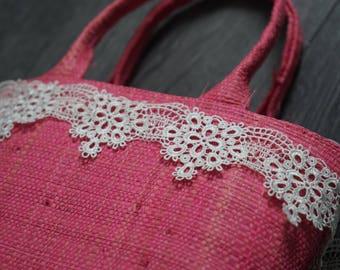 1.5metres * 3.5 cm Ref white guipure lace. 1933