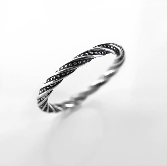 Gothic Twist Ring // Gothic Wedding Band // Twisted Promise Ring // Promise Ring // Silver Twist Ring // Twist Pattern Ring // Pattern Ring