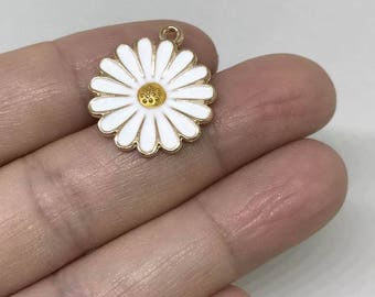 10pcs White Yellow Daisy Flower Charms Enamel Charm Pendant