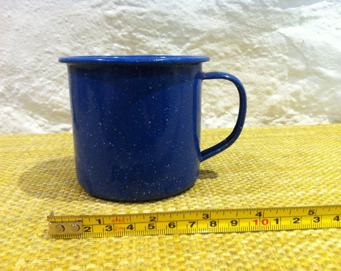 Vintage enamel Cup Blue Shabby chic, good condition, Decorativ