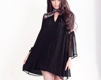 Black chiffon dress with chokar neck and hand embroidery