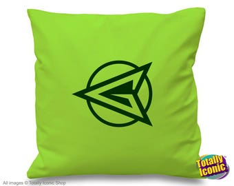Green Arrow Retro  (Light) - TV Series Inspired Cushion/Pillow Cover - Oliver Queen -  Comic Book Hero