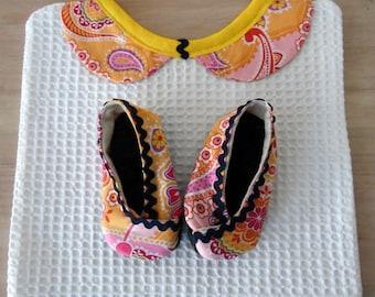 Signed Lola, Peter Pan collar bib and booties set size 16-17