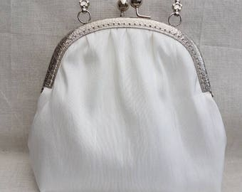 Ivory Kiss Clasp/Snap frame Clutch Bag/wedding/bridesmaids/prom/Special occasions/evenings out bag/purse