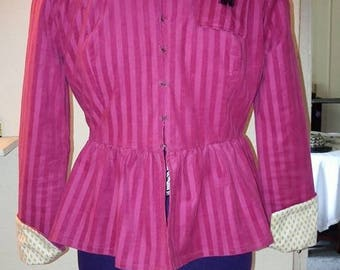 Klimt inspired closefitting pink jacket, loving handmade.
