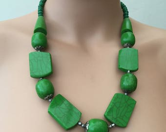 Geometric Shapes, Green Lucite Plastic Beaded Necklace