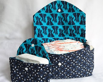 Pouch / toiletry bag baby rabbits patterned dark blue and emerald green
