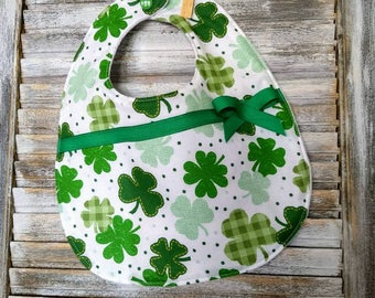 St. Patrick's Day Bib- St. Patty baby gift-clover gift-baby bib-toddler bib- Irish gift-fleece baby bib-drool bib-dribble bib, bib for her