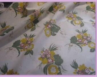 PRETTY vintage floral, soft tones fabric