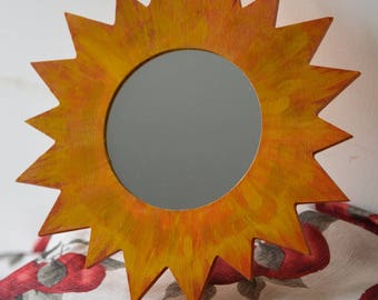 Sun mirror / Wooden hand pianted mirror / Gift for her / make up lovers