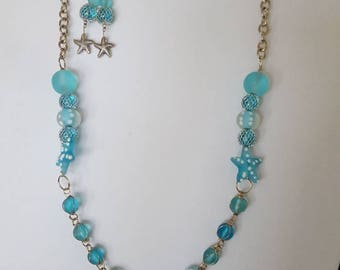 Beach ready necklace and earring set