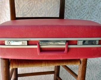 Vintage Royal Traveler Medalist Suitcase | Vintage Pink Travel Case | Pink Overnight Case | Pink Weekender Bag | Retro Bag | Samsonite Case