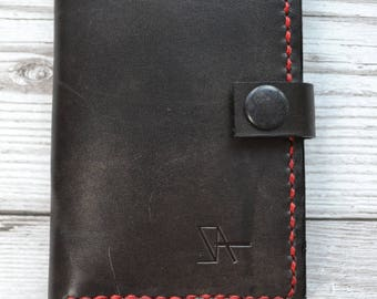 Credit Card Holder Leather / Hand stitched bifold leather wallet with pocket on the back. Hand made in London