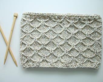 Ready To Ship, Trellis Stitch, Cowl, Thick Circular Scarf, Oatmeal