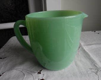VINTAGE FIRE-KING jadeite milk pitcher jug 20 oz