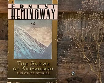 Vintage Hemingway paperback The Snows of Kilimanjaro