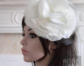 Bridal Ivory Fascinator, Flower Comb, Bridal Comb, Bridal Headpiece, Ivory Fascinator, Flower Comb, Flower Headpiece, Bridal Accessories