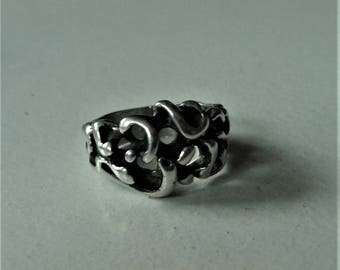 Sterling Silver Curly Q Textured Ring