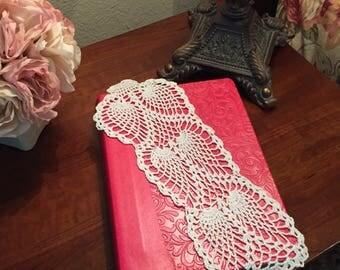 Vintage Pineapple Crochet Jabot, Bookmark White Cotton