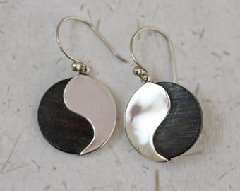 Yin Yang Wood Earrings / Natural Jewellery / Wood Jewellery / Balance / Nature / Wood Earrings /