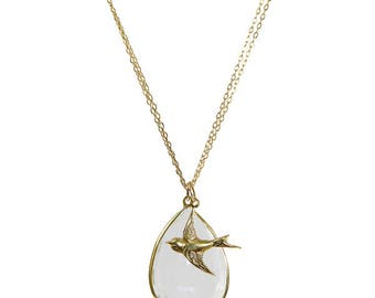 The Robyn Delicate Gold Pendant Necklace