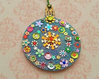 Round Ornament 32