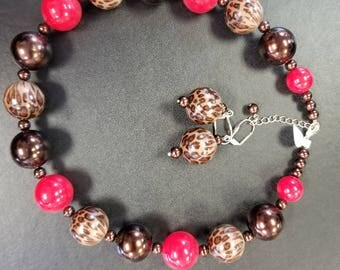 Leopard, brown and red necklace earring set